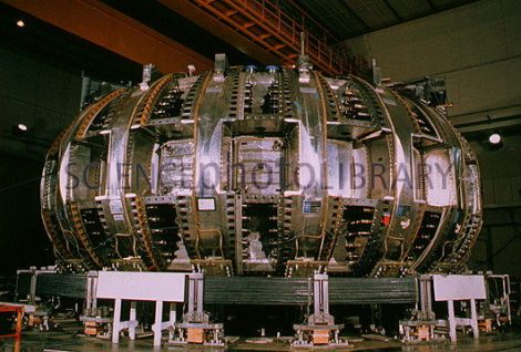 Princeton's tokamak nuclear reactor. Image taken from http://www.sciencephoto.com